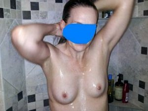 Swanna milf live escorts in Summerfield